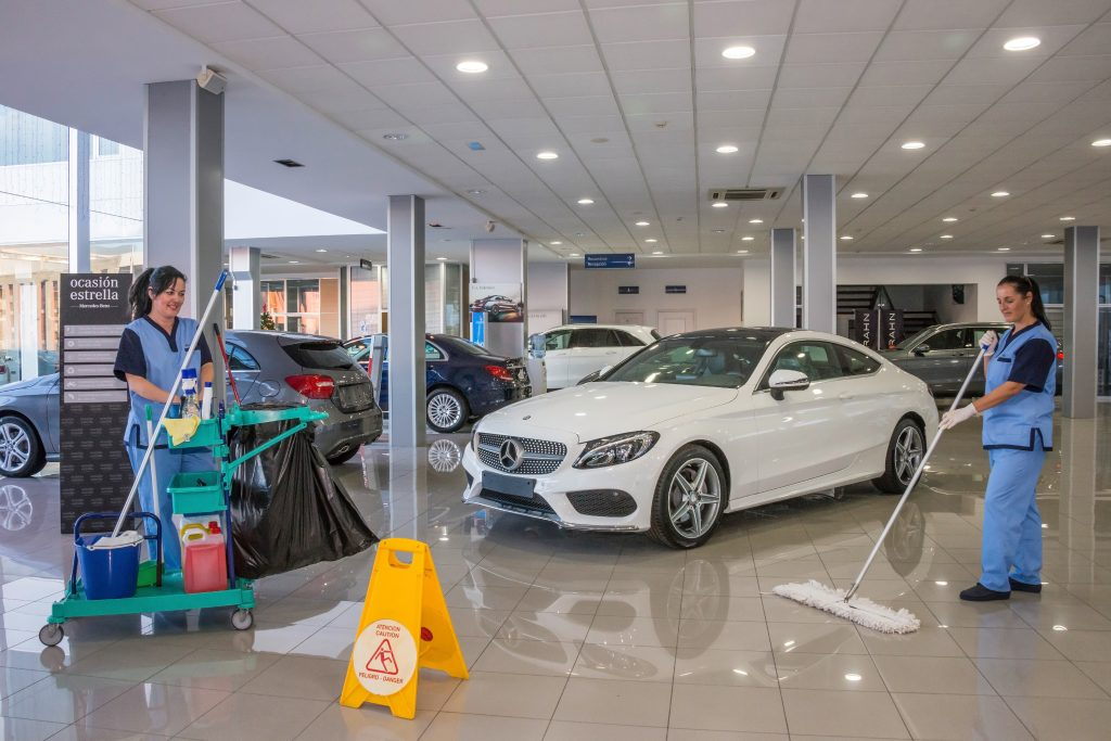 Show room cleaning service